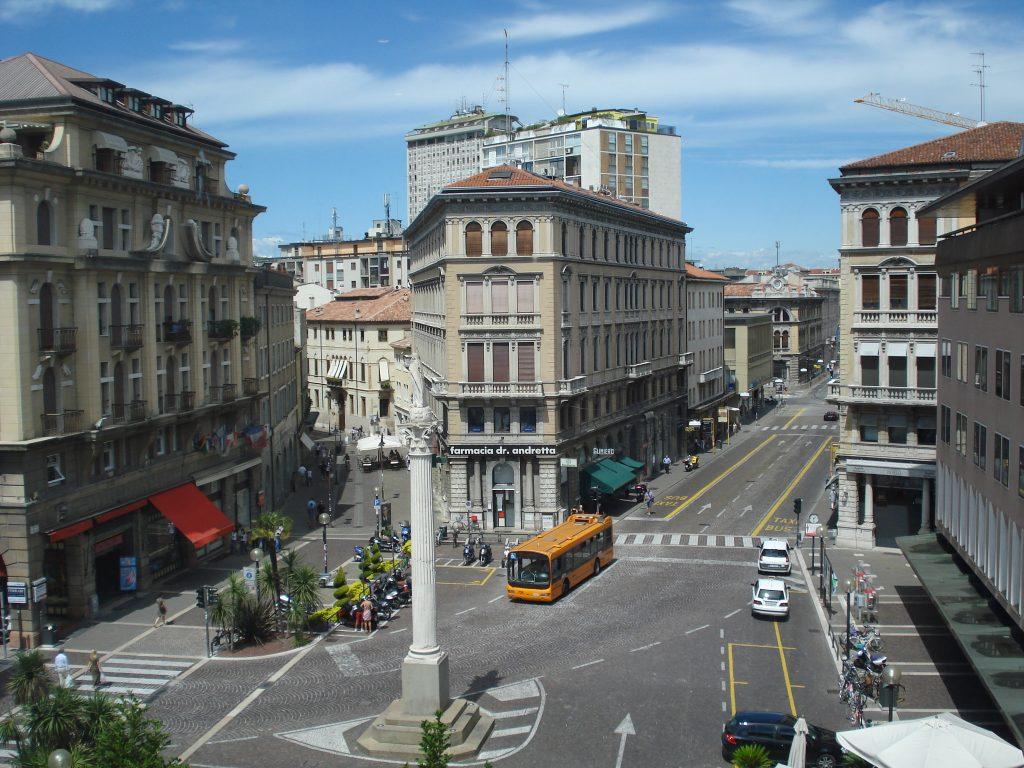 Padova_Piazza_Garibaldi | Hotelvalbrenta.com